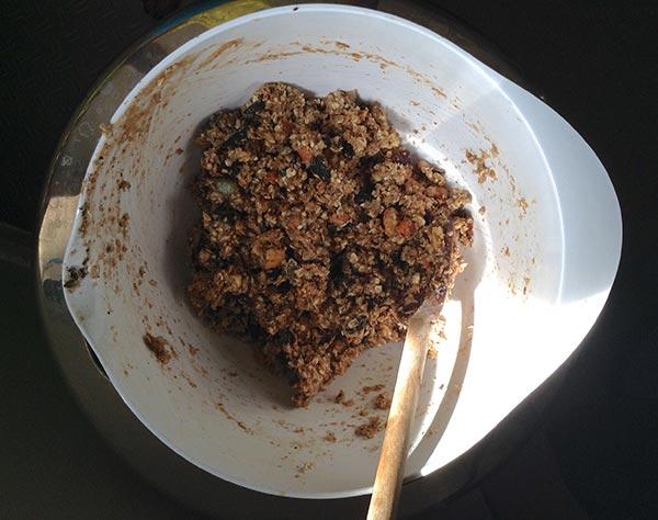 vegan cookies in the bowl